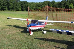 2016 Giant Scale 137